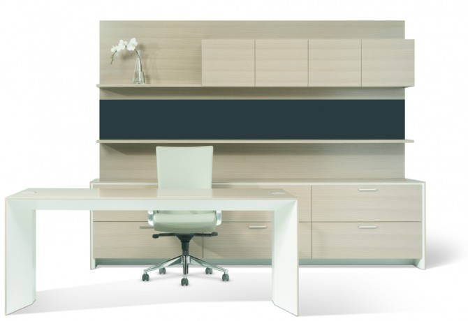 Aero office desk with Credenza shelf, overhead and tackboard